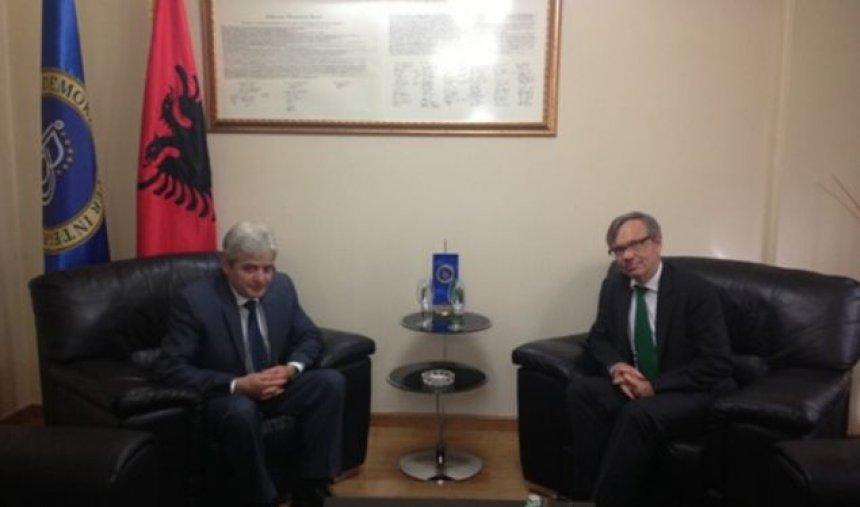 ahmeti-dy-lideret-maqedonas-t-i-tejkalojne-dallimet-sa-me-shpejt