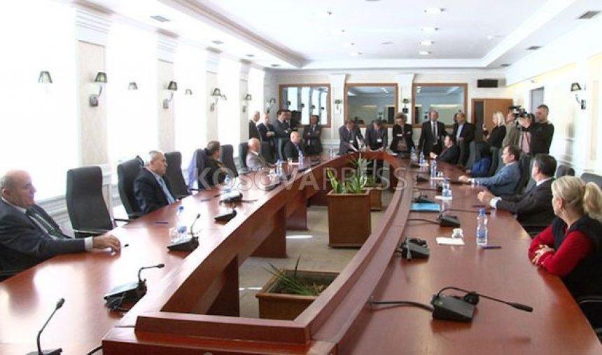 Përplasje në testin e kandidatëve për anëtarë të Gjykatës Kushtetuese