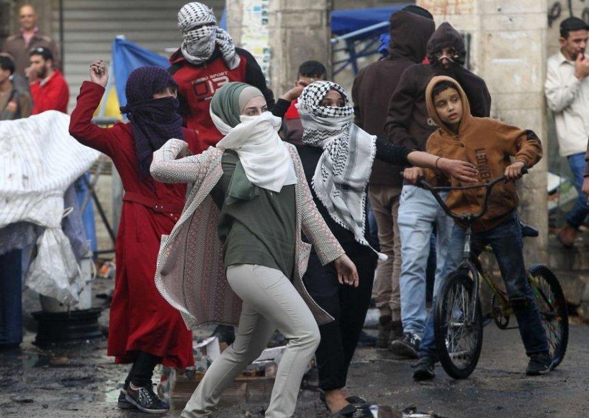kur-vajzat-palestineze-perfshihen-ne-perleshje