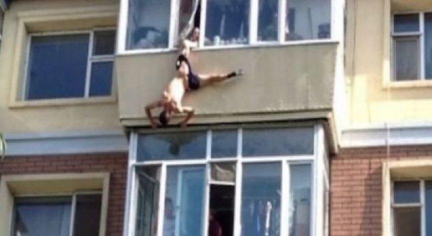 burri-tenton-te-hidhet-nga-ballkoni-gruaja-e-shpeton