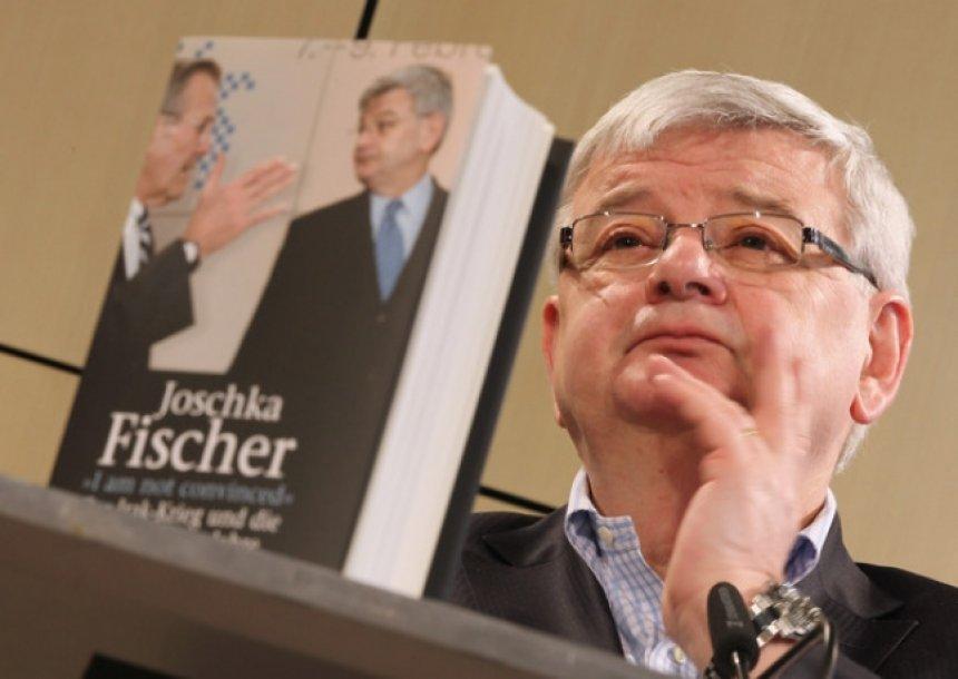 Fischer: Në Kosovë bëmë atë që duhej bërë - bombarduam Serbinë