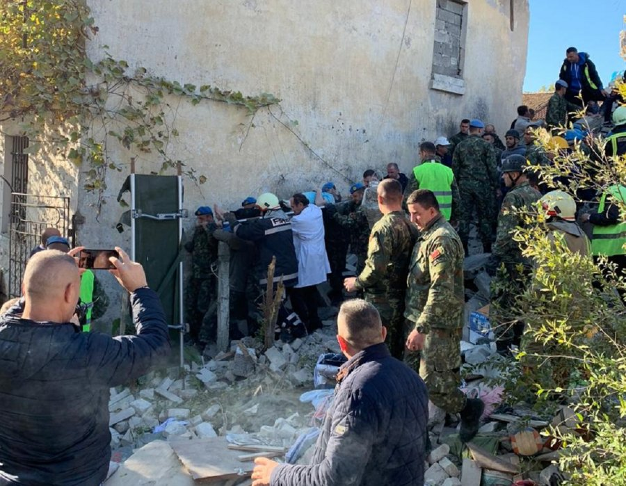 Ministria e Mbrojtjes: 11 persona të vdekur nga tërmeti shkatërrues