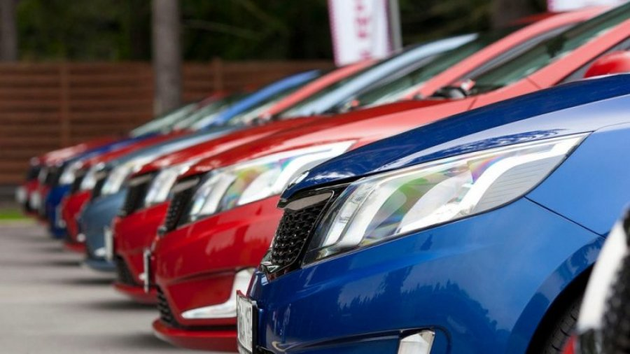 در طی همه گیری ، کوزووایی ها اتومبیل هایی به ارزش حدود 60 میلیون یورو خریداری کردند