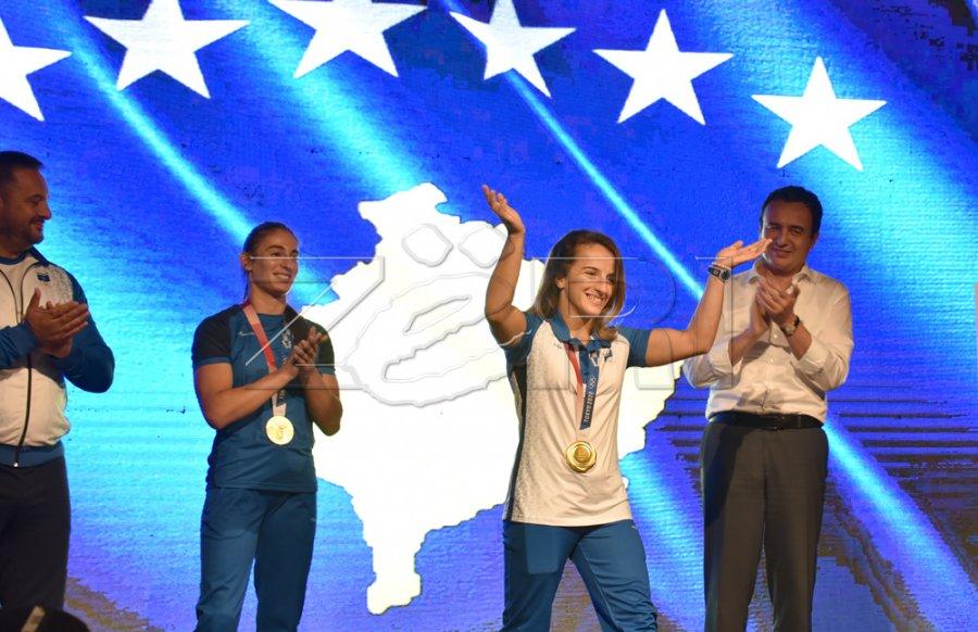 دیستریا کراسنیقی: بسیار خوشحالم که مدال طلای المپیک را به کوزوو رساندم