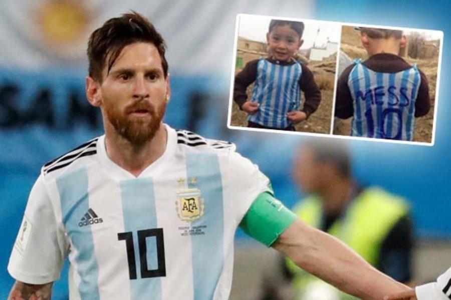 پسری که با تی شرت پلاستیکی لئو مسی مشهور شد ، توسط طالبان تهدید به مرگ شد