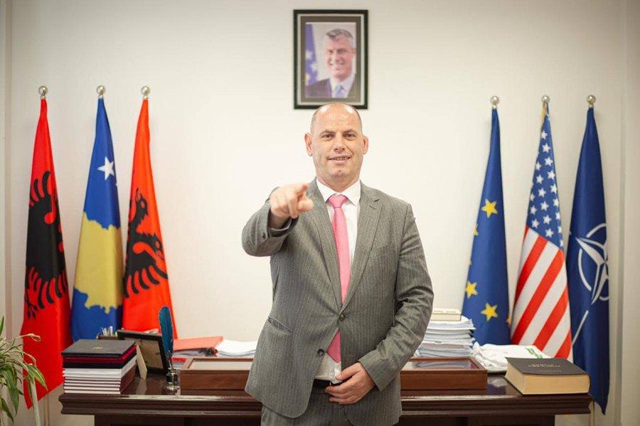 لادروفوی بدون تایید حزب از نامزدی خود برای دوره دوم در درناس خبر داد