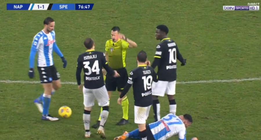 آردیان اسماعیلی در بازی ناپولی - لا اسپزیا با کارت قرمز از بازی اخراج شد