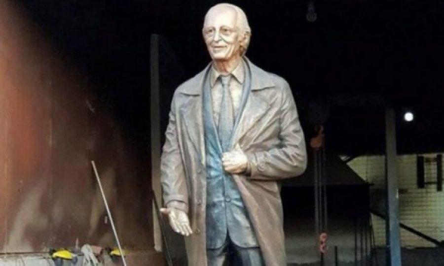 خانواده آنتون چتا نمی خواهند مجسمه وی در حیاط کلیسای جامع پریشتینا قرار گیرد