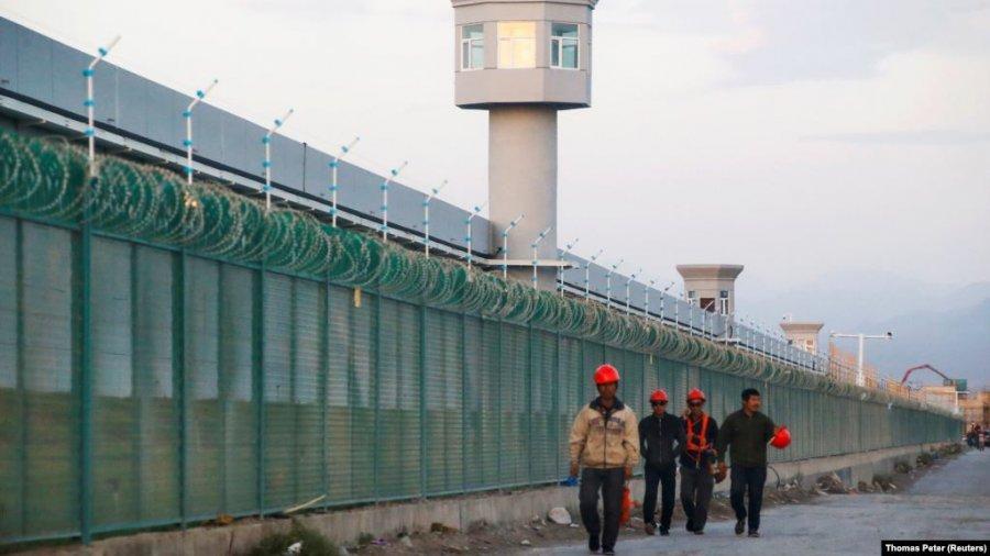 ایالات متحده از واردات پنبه و گوجه فرنگی از سین کیانگ جلوگیری می کند