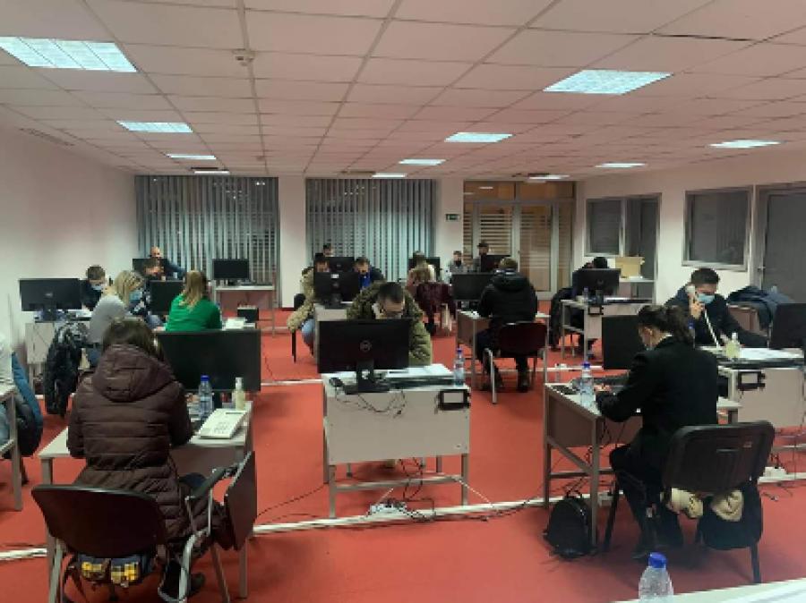 CEC شروع به بررسی رای دهندگان در دیاسپورا می کند ، 75٪ از 2000 تماس برقرار شد
