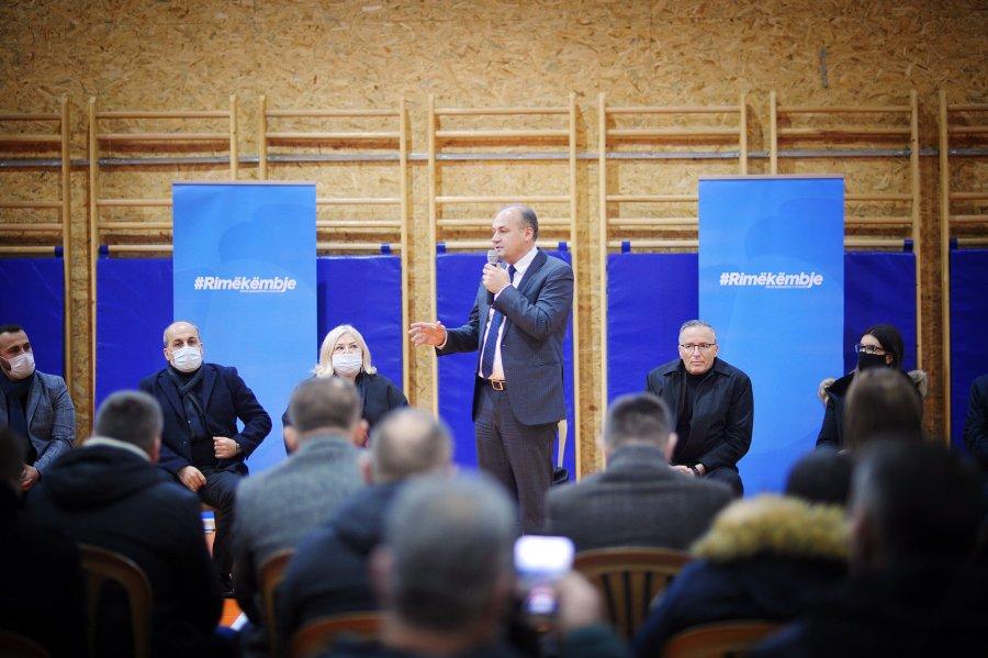 هاجاج در میتروویسا می گوید شهروندان این شهرداری توسط شهردار ثروتمند خود رها شده اند