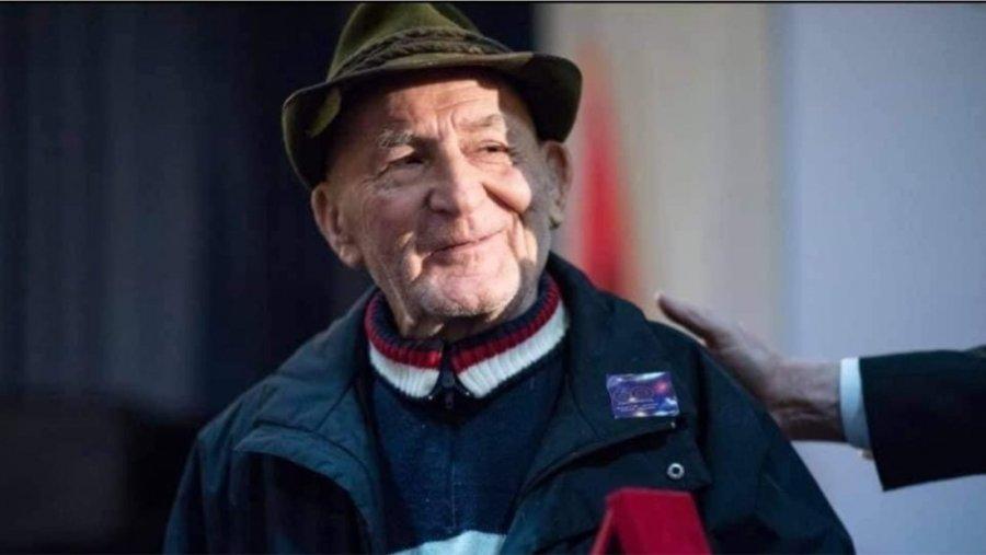 باجرم داوتی ، نماد سیرک ملی آلبانی ، ناپدید می شود