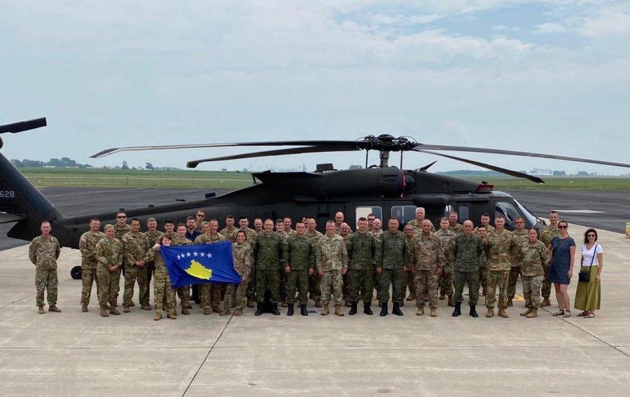 ژنرال راما از گارد ملی آیووا و آموزش مشترک نیروهای خود با اعضای KSF بازدید می کند
