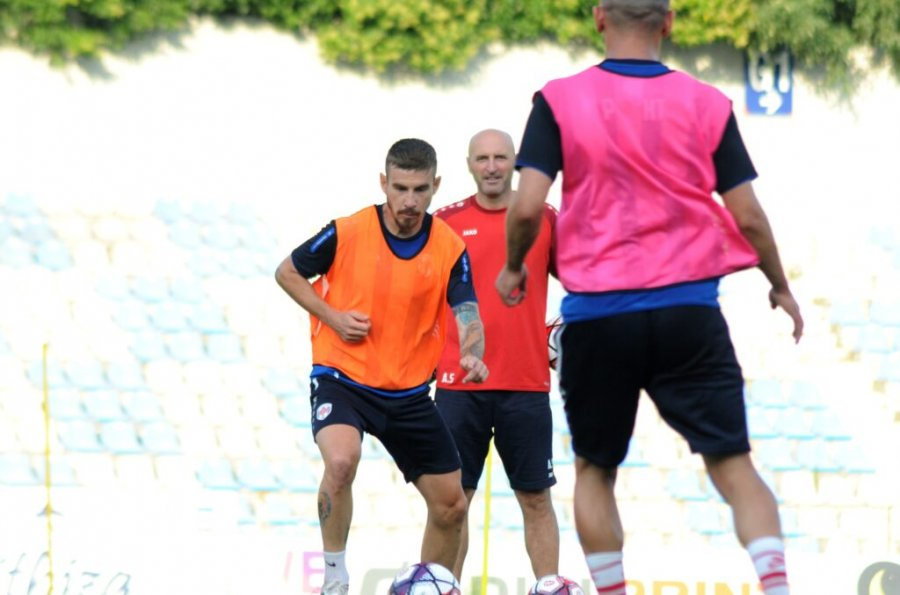 Mici before the matches in the Champions League: To lower our heads and give the maximum