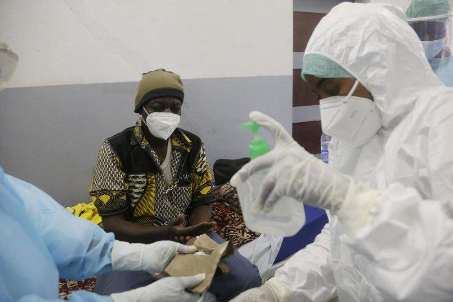 بعضی از کشورها هنوز واکسن COVID-19 تهیه نکرده اند