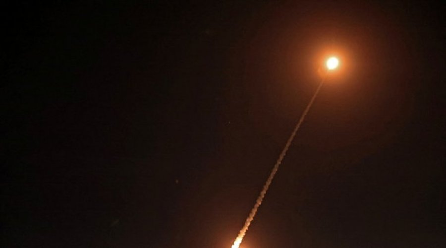 از طرف دیگر ، پس از فلسطین و لبنان ، جنگنده ها به سمت اسرائیل موشک پرتاب کردند