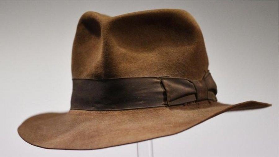 کلاه ایندیانا جونز و عصای هری پاتر به حراج گذاشته شده اند