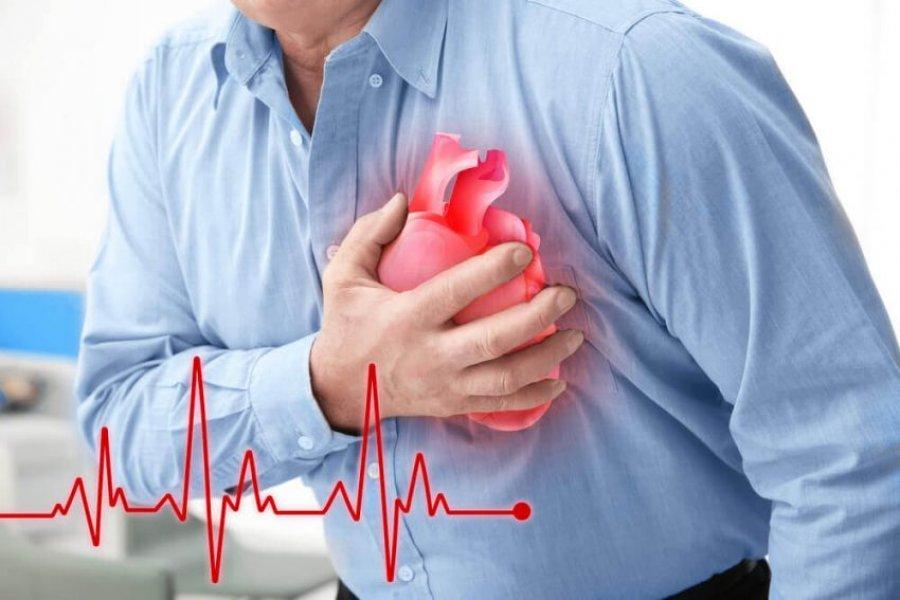 نشانه هایی که بدن یک ماه قبل از حمله قلبی به آنها می دهد